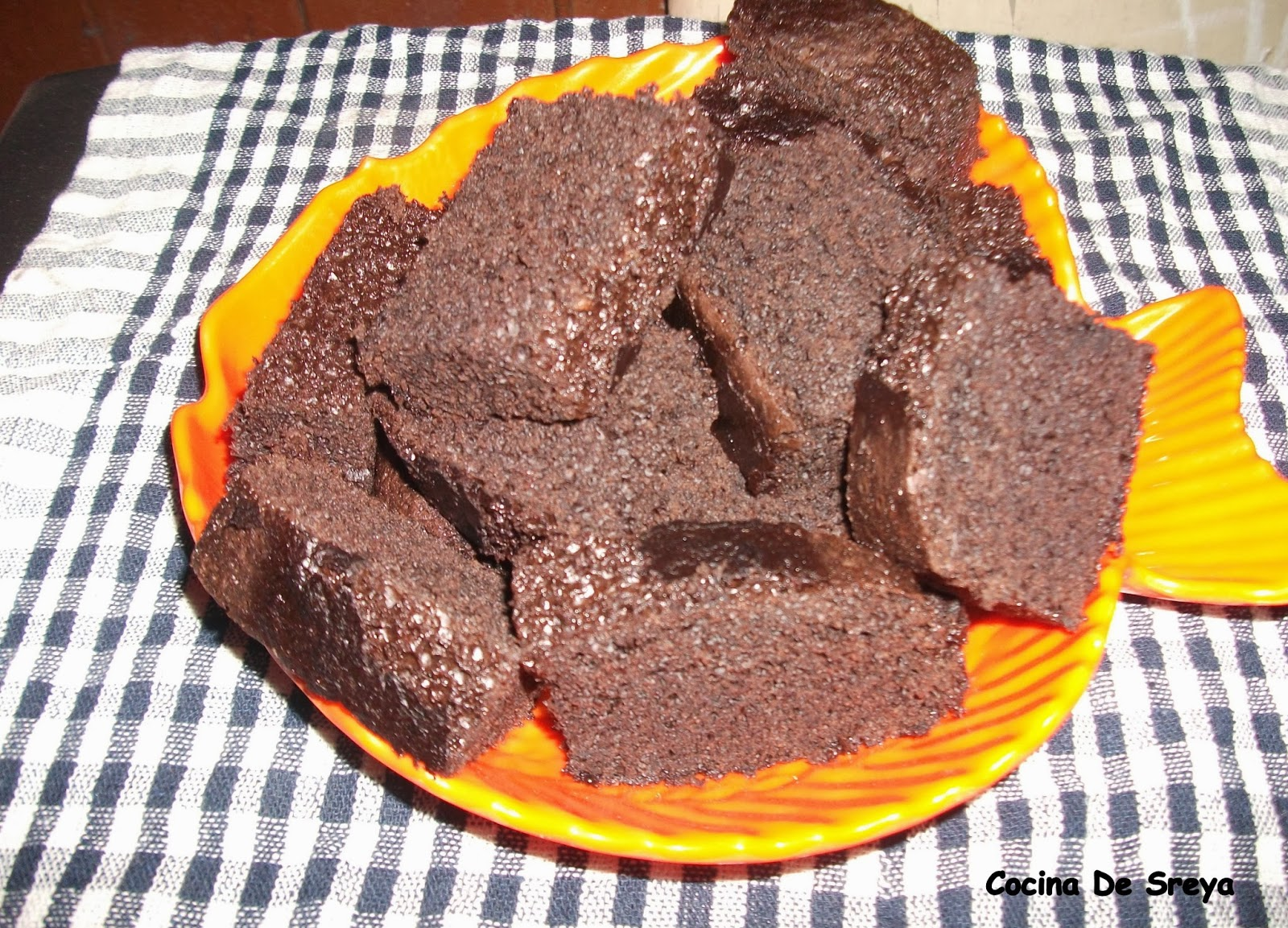 ONE POT FUDGY CHOCOLATE BROWNIES :)