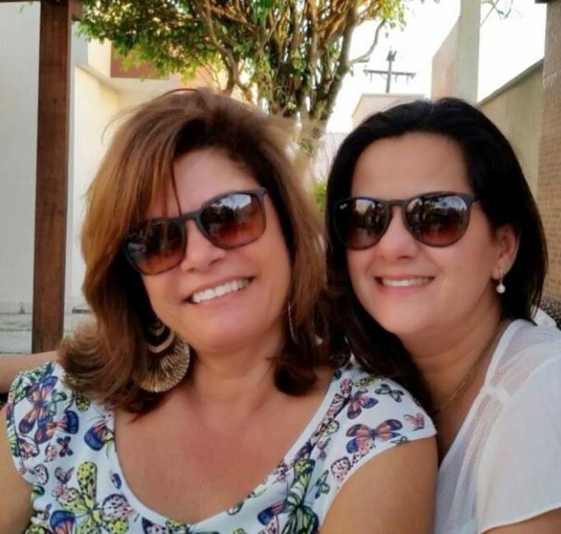 casamento jardim atlantico ilheus:Amigas, sempre amigas. Marcia Esquivel Riella e Jaqueline Menezes.