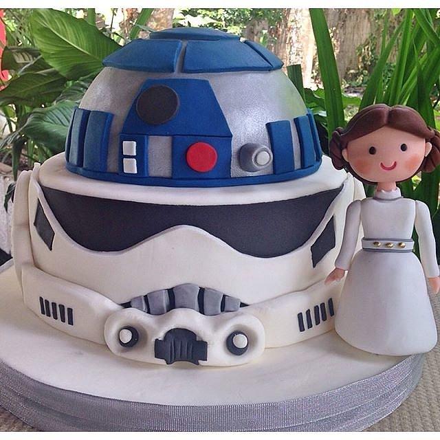 ideias, inspirações e sugestões de festa ... bolo tema Star Wars / imagens retiradas da internet / blog Mamãe de Salto
