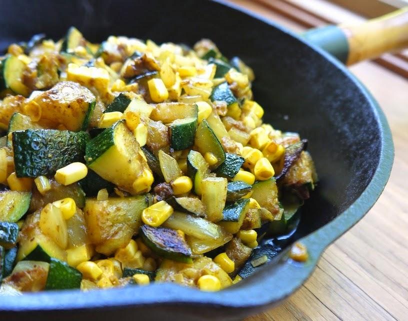 Abobrinha e Milho ao Curry (vegana)
