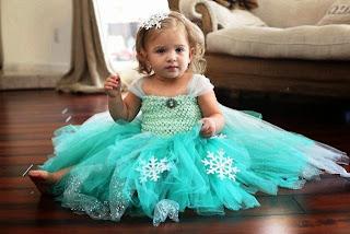 Foto bayi cantik lucu pakai dress tutu elsa frozen