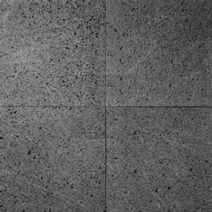 Desvastando y puliendo piso de granito -