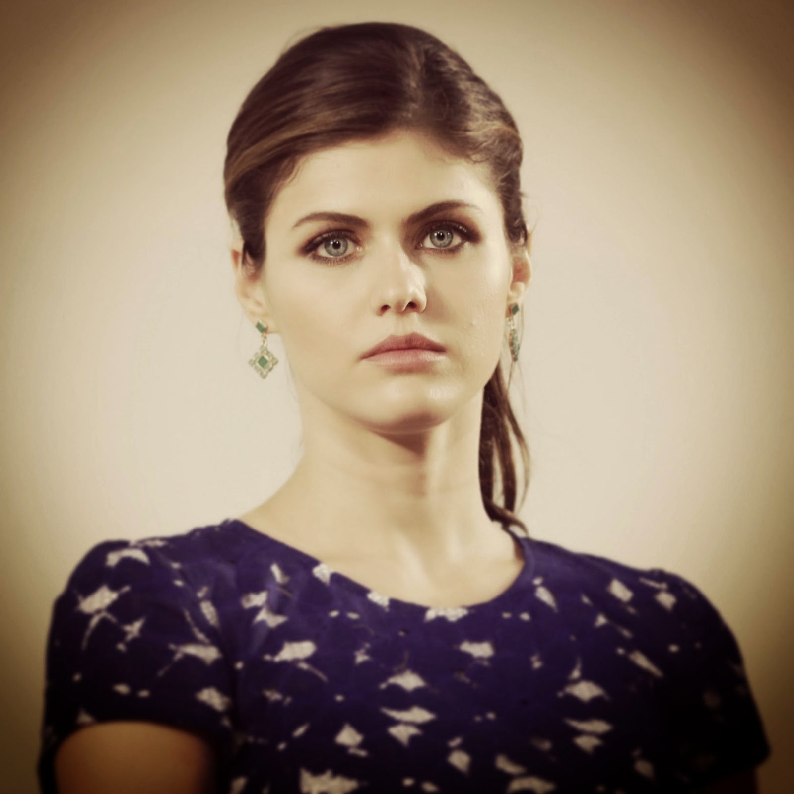Alexandra Daddario Cute HD Wallpapers