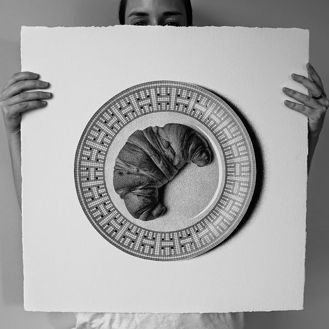 11-Croissant-C-J-Hendry-Hyper-Realistic-Drawings-of-Food-www-designstack-co