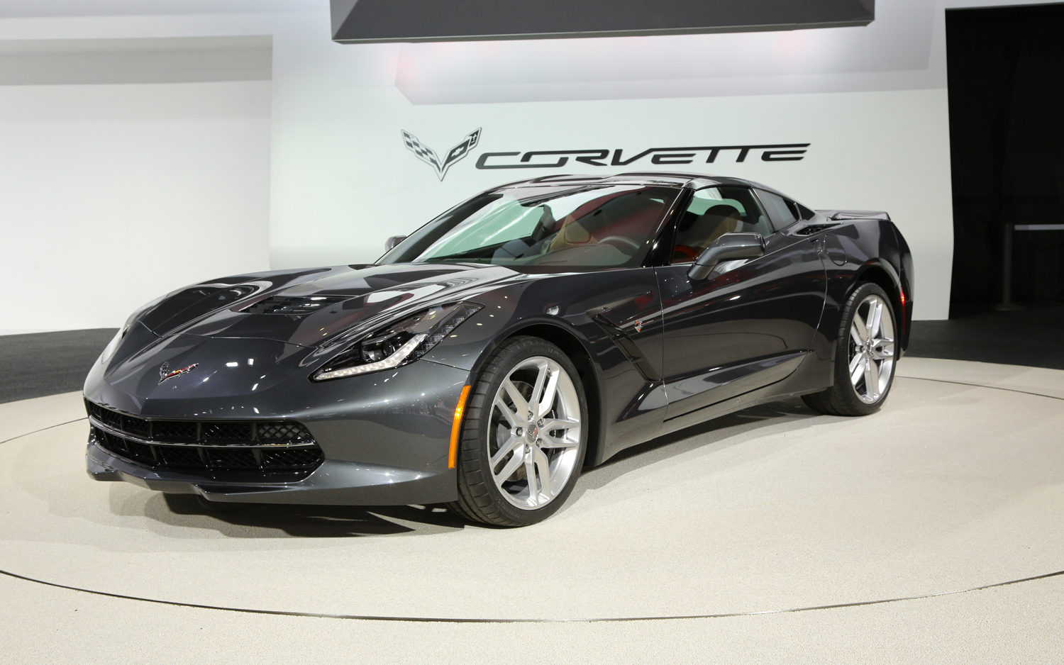first look 2014 chevrolet corvette stingray new cars reviews. Black Bedroom Furniture Sets. Home Design Ideas