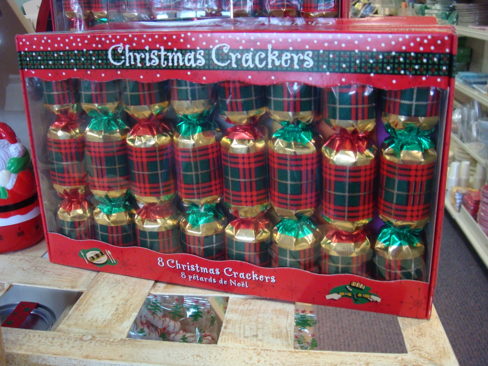 christmas crackers - British Christmas Traditions