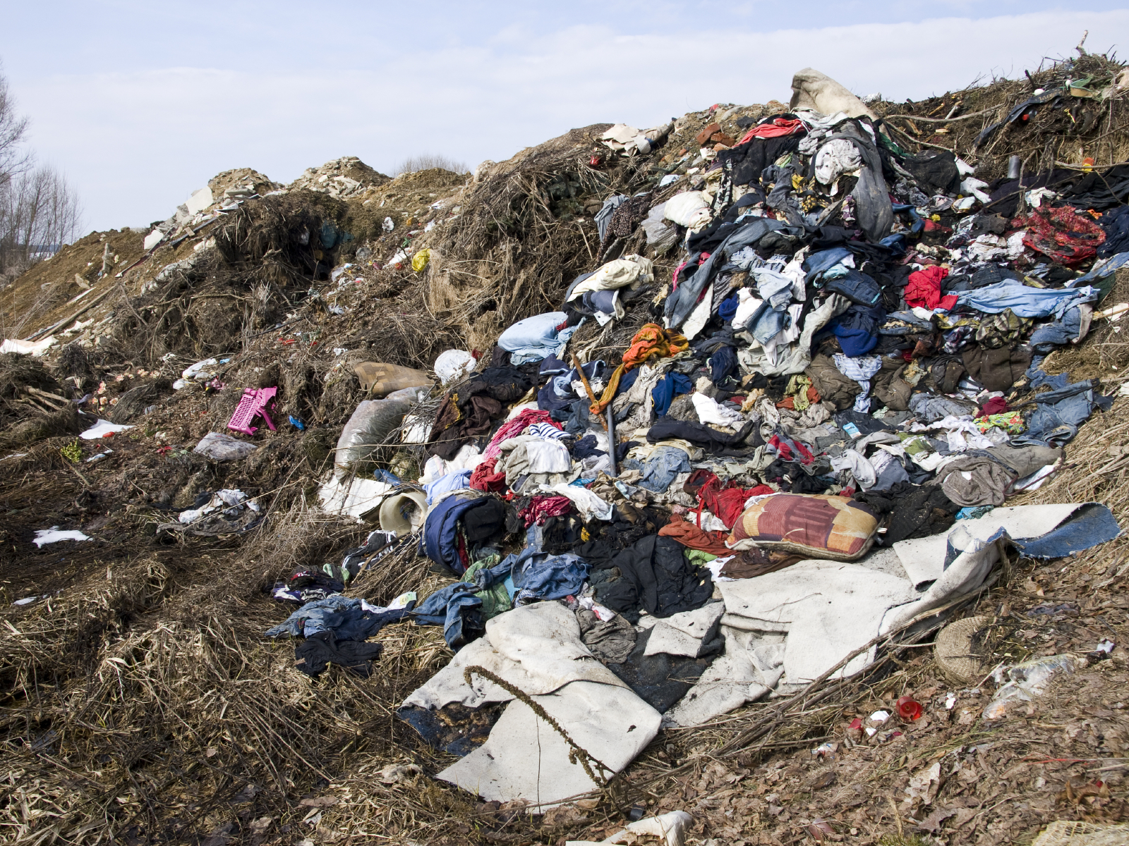 landfill incomplete decompostion and settling