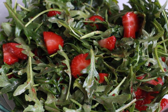 salat rukola jahody paleo SCD
