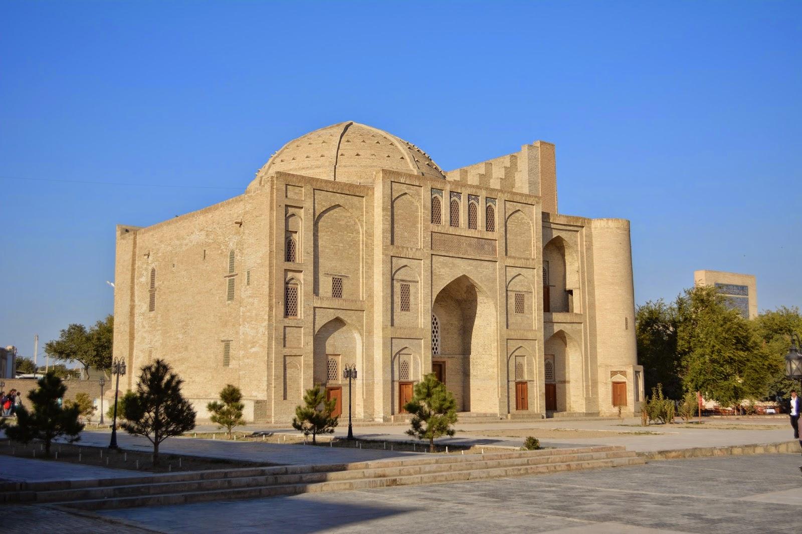 Abdulaziz-Khan Medresesi
