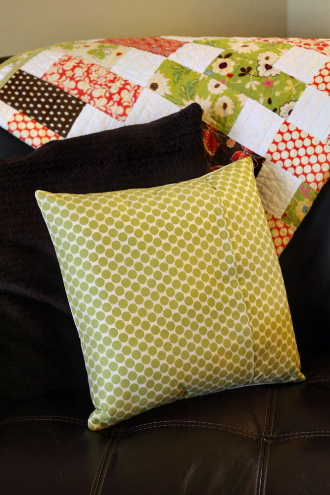 How To Make A Pillow Sham or Cover {sewing pattern} Tip Junkie