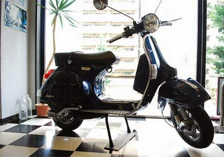 koleksi gambar motor Vespa PX