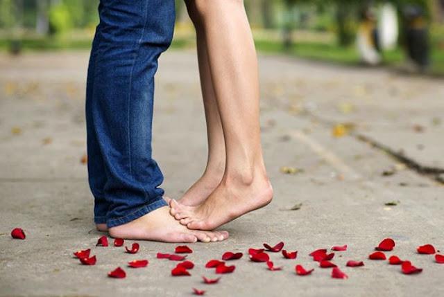 5 Tips Dan Cara Melakukan French Kiss Yang Benar