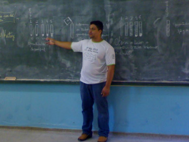 Professor Rones Dias