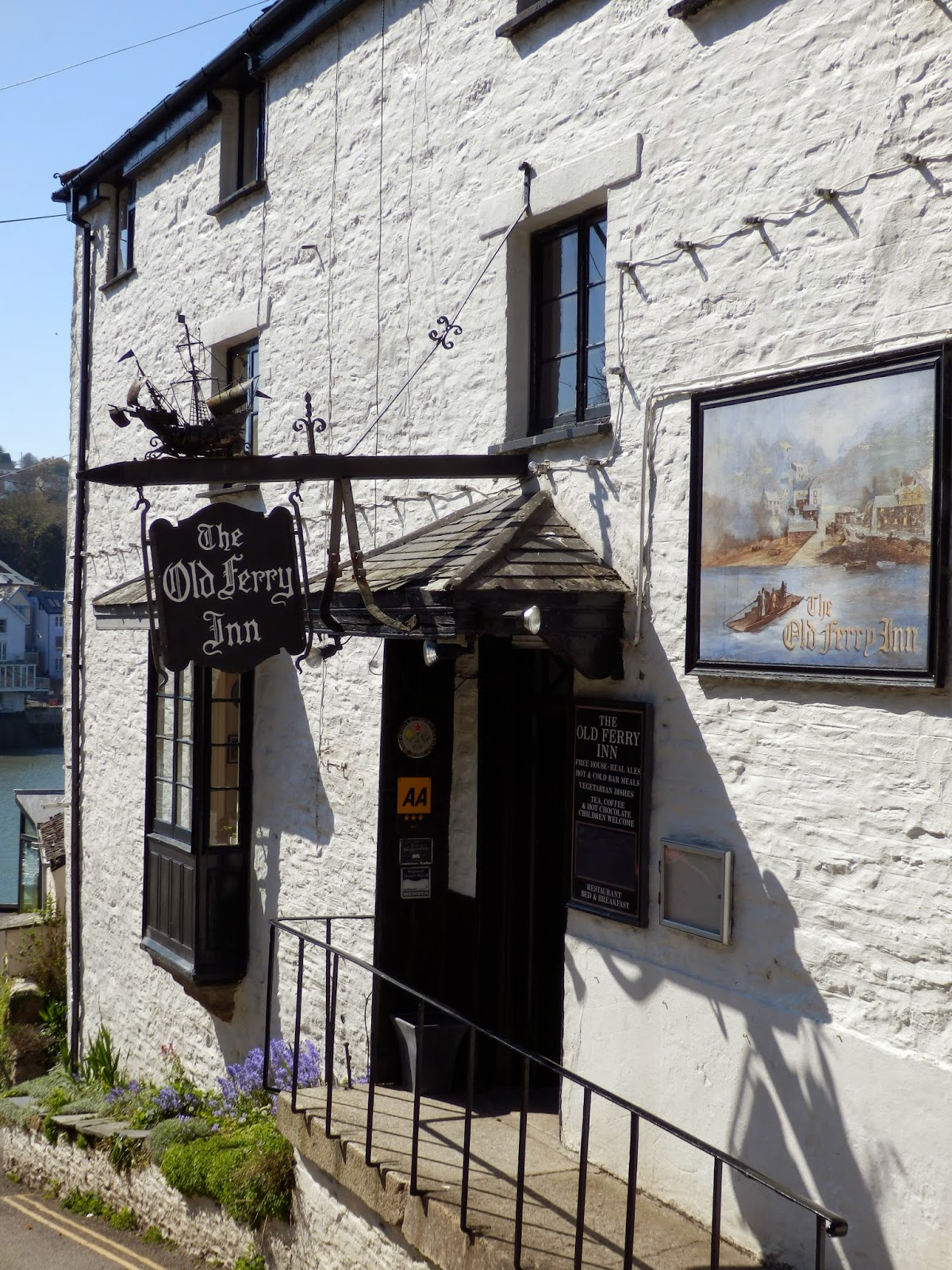 Lugger Pub Cornwall
