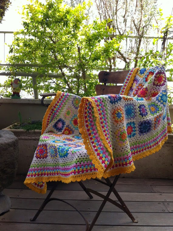 https://www.etsy.com/listing/97532280/crochet-blanket-granny-square-colourful?ref=favs_view_3