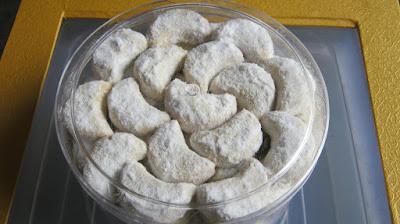 Resep dan Cara Membuat Kue Salju Lembut