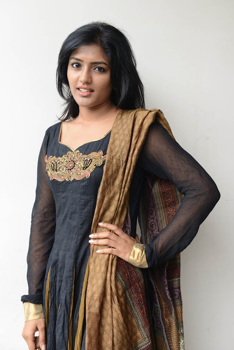 eesha at anthaku mundu aa tarvatha platinum disc