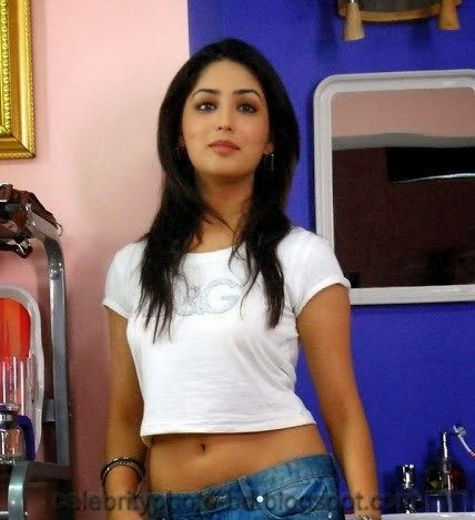 Yami+Gautam+Latest+Hot+Navel+Show+Still+Pictures+And+Photos001