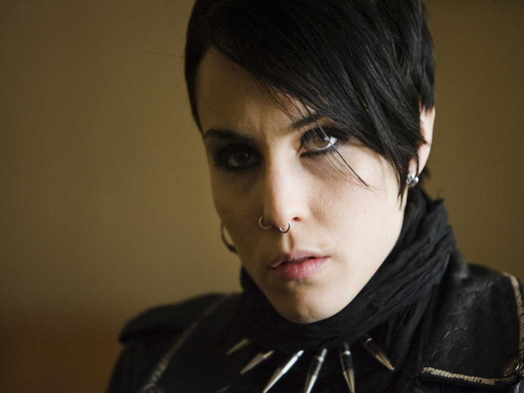 Hollywood wallpapers january 2012 for Noomi rapace the girl with the dragon tattoo
