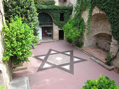 Centre Bonastruc Sa Porta inside El Call Jueu in Girona
