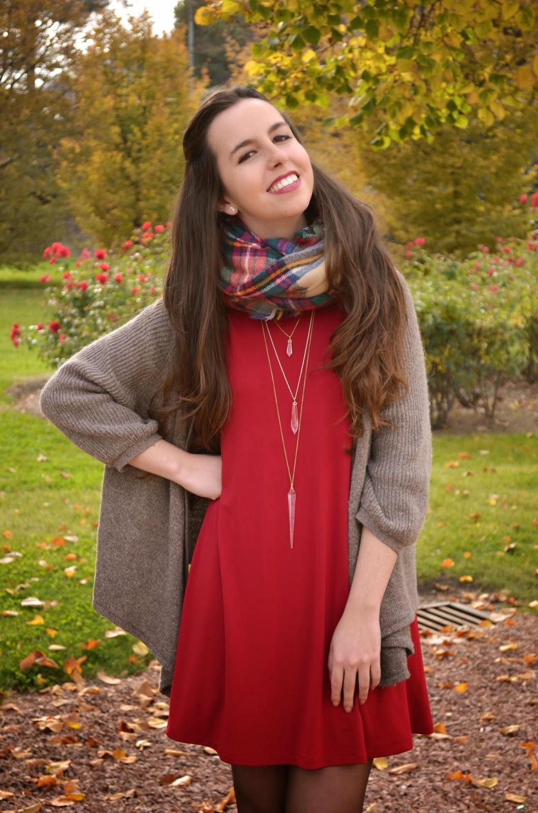 hey vicky hey, victoria suarez, navidad, vestido rojo, maxi bufanda