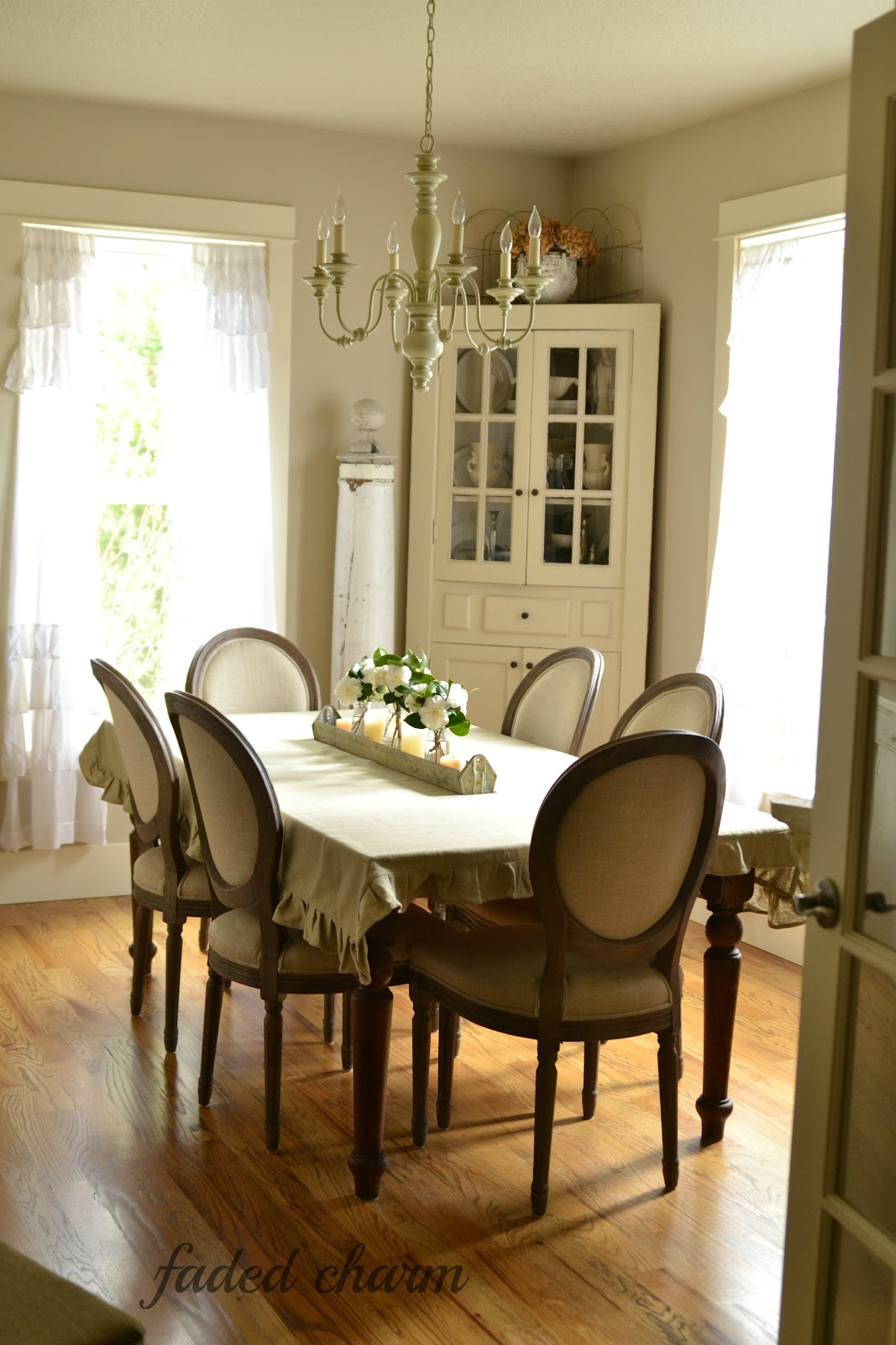 Comfortable dining room chairs dining room best for Comfortable dining room