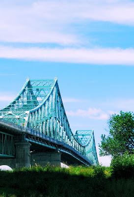 Puente Jacques Cartier en Montreal, Canadá.