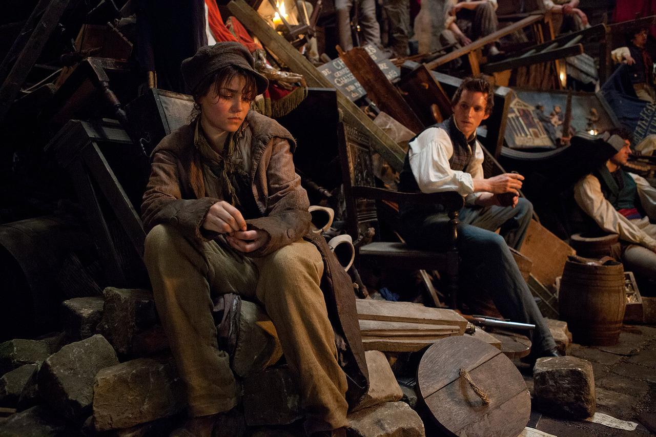 http://4.bp.blogspot.com/-YpP-VmDDF6I/UODN-2JKlhI/AAAAAAAAA10/JzFY910AJcg/s1600/Les-Miserables-Still-les-miserables-2012-movie-32902318-1280-853.jpg