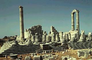 El Templo de Apolo en Didimo. Arquitectura helenistica. Grecia. Arquitectura religiosa helenistica. cultura helenistica. Monarquia helenica.