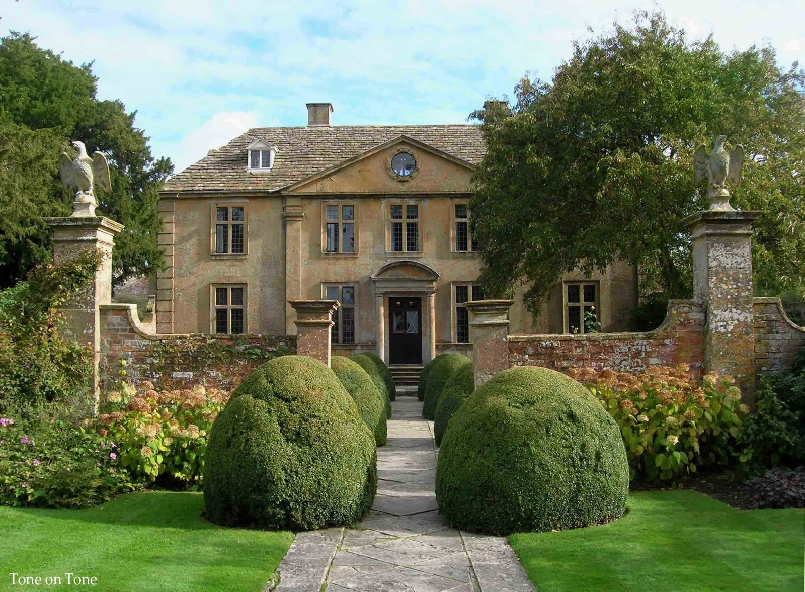 Tone on tone january 2013 for Pictures of english country houses