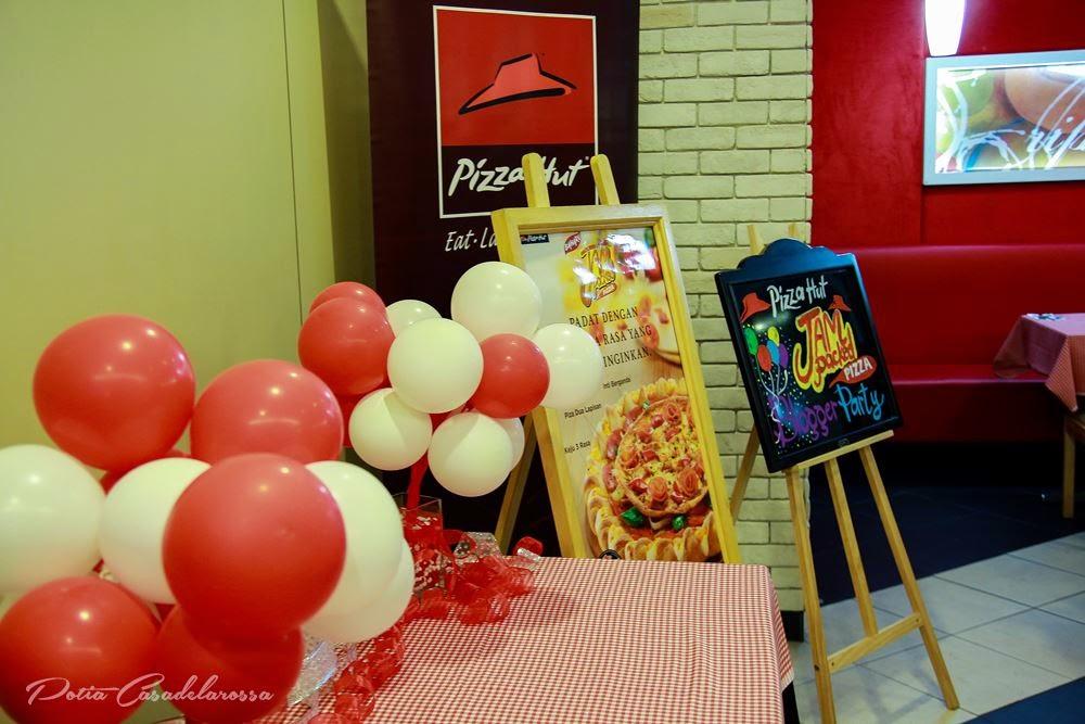 Jam-Packed Pizza sudah berada di pasaran sejak 4 November 2014