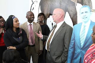 Ambassador Entwistle interacting with the fellows. Photo Credit: U.S. Embassy/Idika Onyukwu