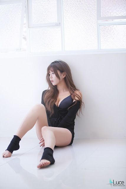 Heo Yun Mi Sexy Photos
