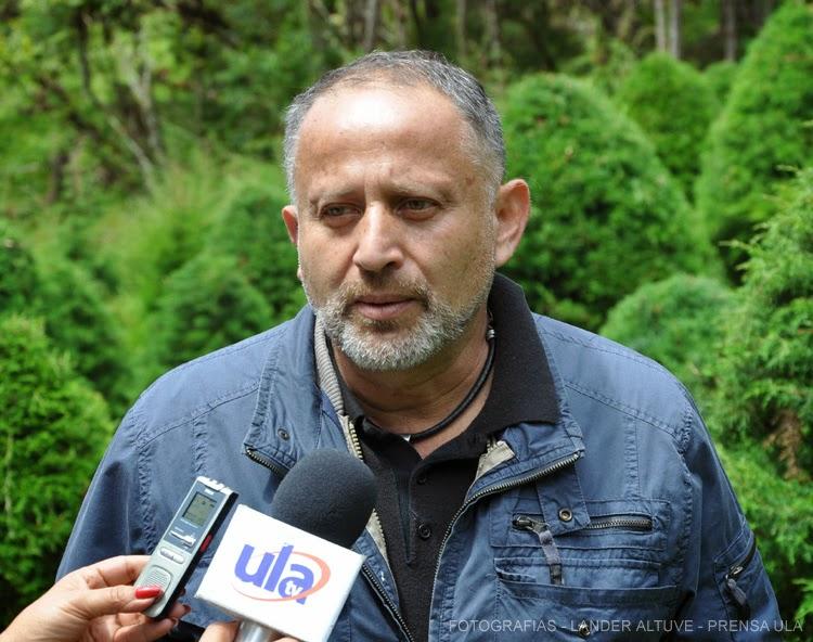 El profesor Lino Valera señaló que también hay expertos de otras dependencias de la ULA trabajando en el Municipio Alberto Adriani. (Foto: Lánder Altuve)