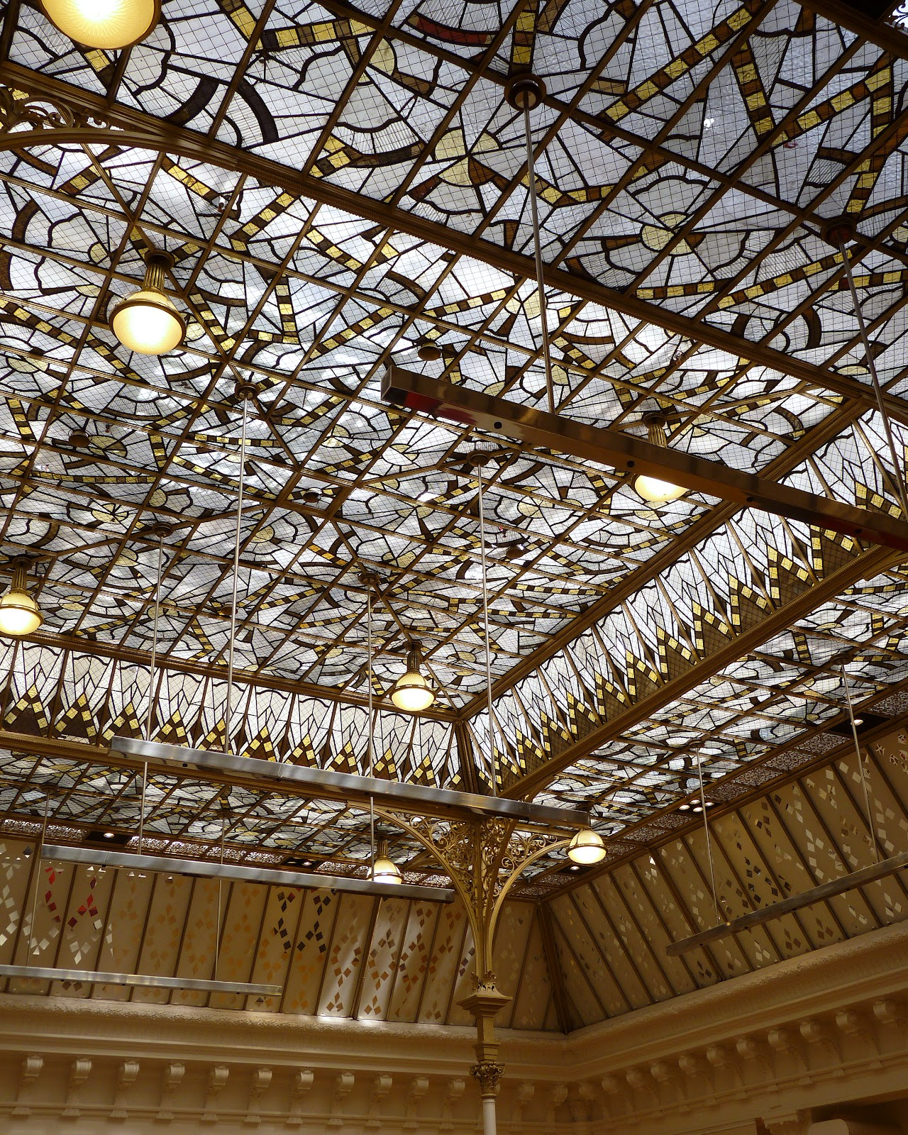 Jewel yet to find the skylights of le bon marche - Le bon marche luminaires ...