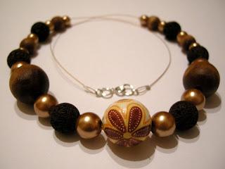 biżuteria z półfabrykatów i decoupage - złoto i lawa (korale)