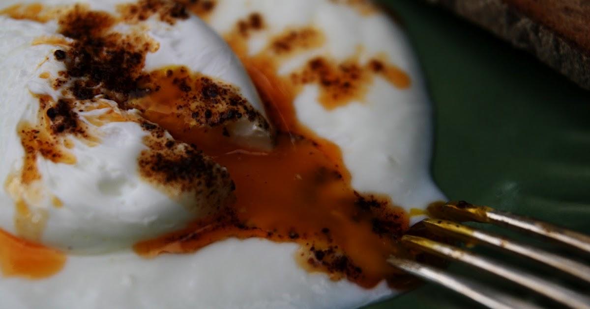 199 ılbır Poached Eggs On Garlicky Yogurt Recipe Mostly