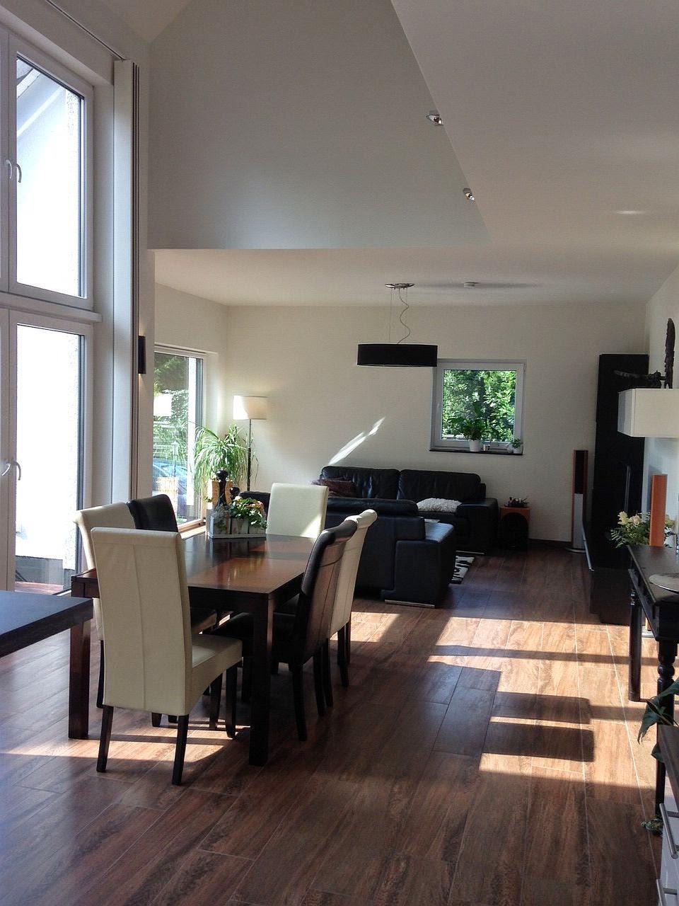 Wohnzimmerz: Inneneinrichtung Wohnzimmer With Umfangreiche ...
