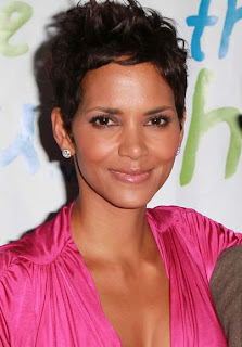 Halle Berry to be honoured for fragrance