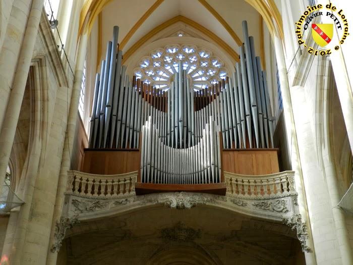 TOUL (54) - La cathédrale Saint-Etienne (Intérieur) - Orgue