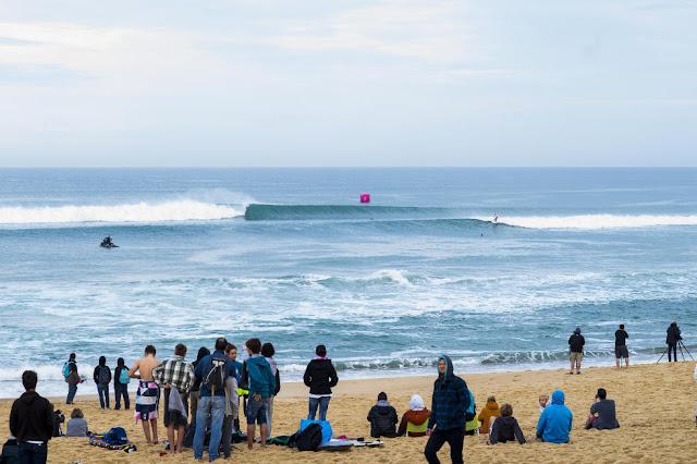 49 Wave Roxy Pro France Foto WSL Poullenot Aquashot