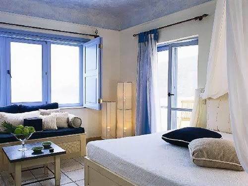 Coastal living decor/lulu klein