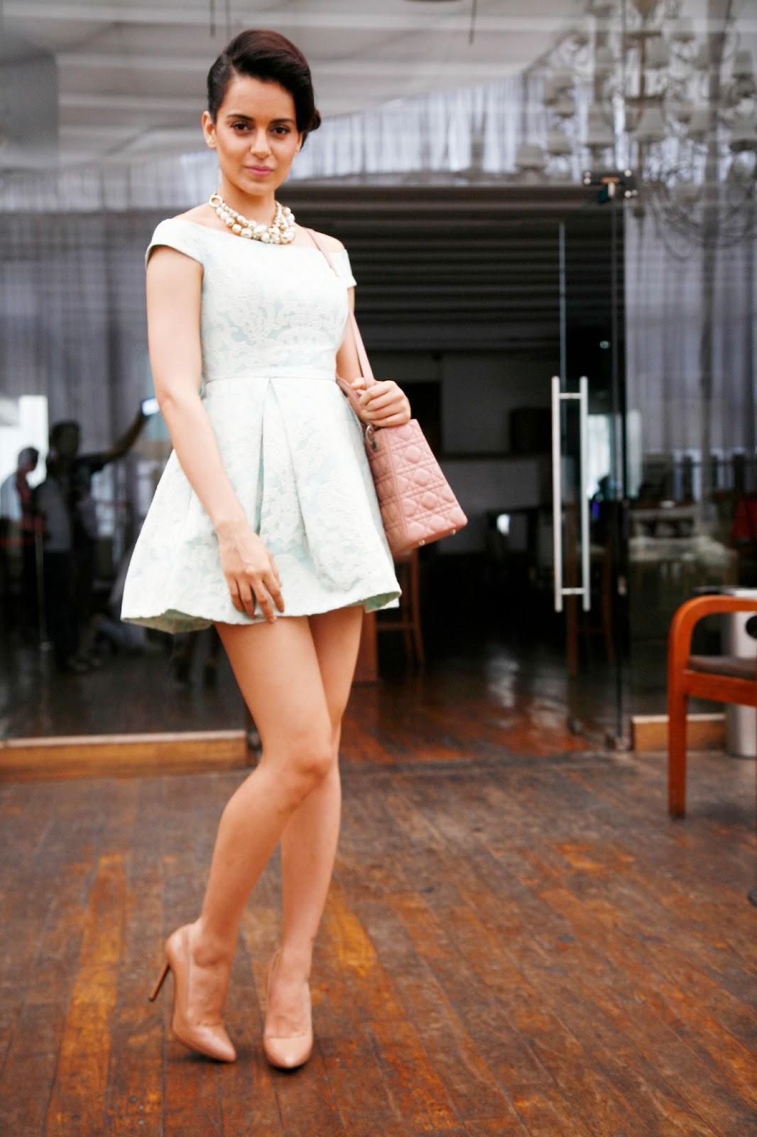 http://4.bp.blogspot.com/-YrWYJ1QXSSY/Uisl3dHOdQI/AAAAAAAAbmE/u0FHZoka4aE/s1600/Kangana+Ranaut+Launches+Her+Website+(7).JPG