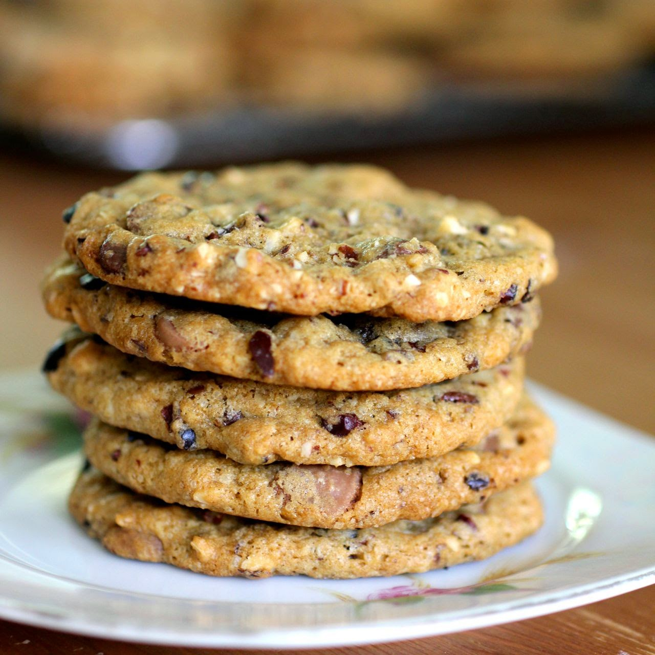 smoky%2Bchoc%2Bchip%2Bcookies 9 Vegan choc chip cookies with smoked almonds and cacao nibs