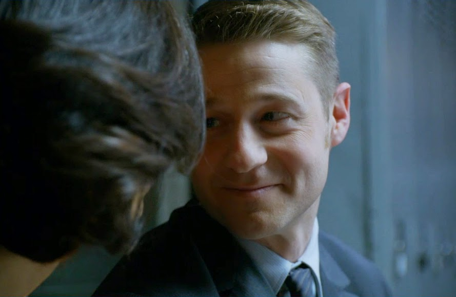 Lovey dovey Jim Gordon Ben McKenzie loving eyes smile pics