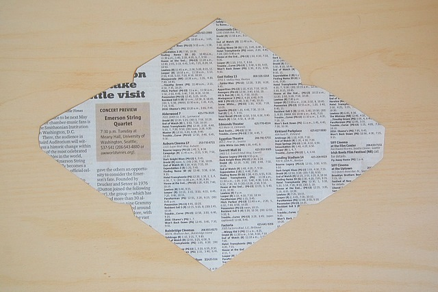 DIY: Recycled Newspaper Envelopes with Liners
