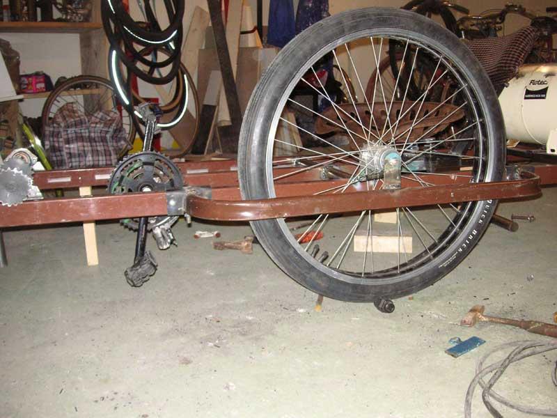 irzouts kustom bicyklettes la chouineuse roue motrice. Black Bedroom Furniture Sets. Home Design Ideas