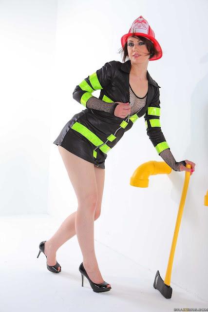 Sarah Shevon - Fancy Fire Woman (Big Wet Butts)
