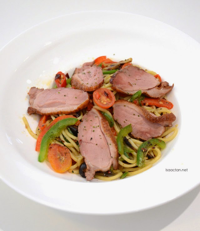 Hot Peri Aglio Olio with Smoked Duck - RM18.90