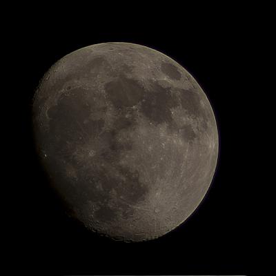 90% moon